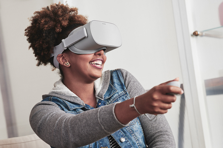 Autonomous VR headset for $199 is coming in 2018