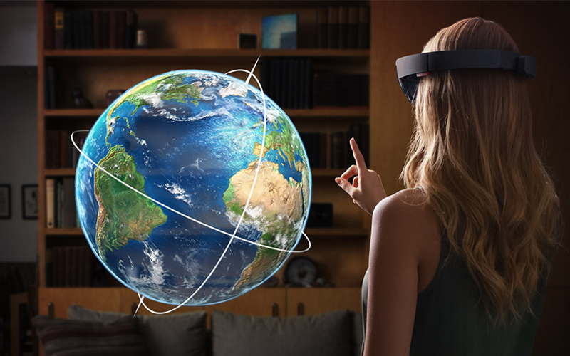 Microsoft to release improved HoloLens AR headset in 2019