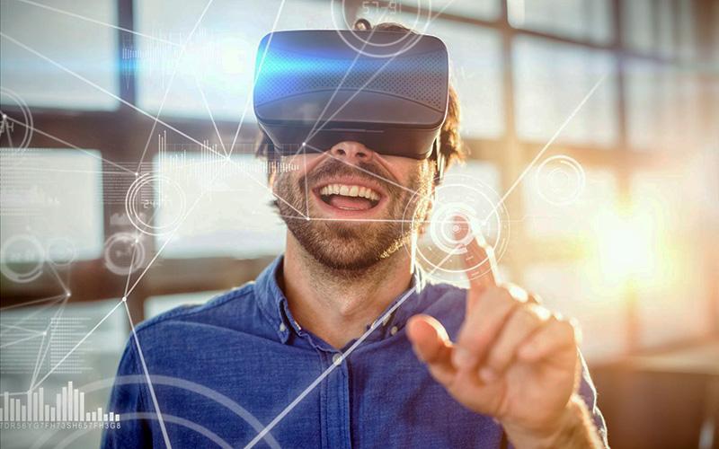 VR/AR technologies aren't financed enough